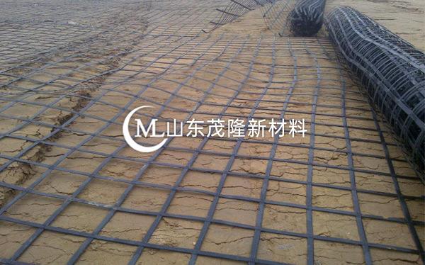 《石安高速改扩建》钢塑土工格栅施工