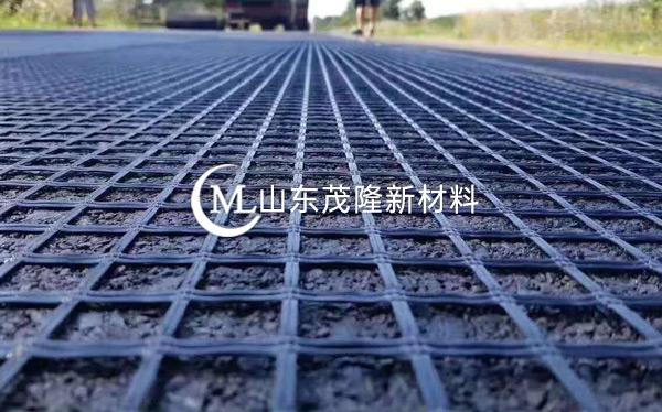 《济青高速改扩建》玻纤钢塑格栅、抗裂贴施工