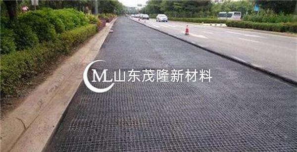钢塑土工格栅如何有效防止路面断裂沉降