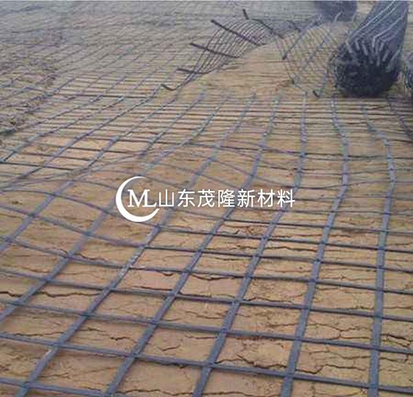 钢塑土工格栅以高强钢丝(或其他纤维)