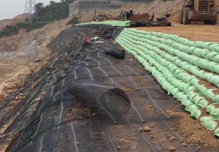 铺设涤纶土工格栅对路面有什么好处吗?