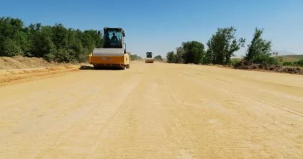 土工格栅在修路施工中使用的八个步骤  第1张