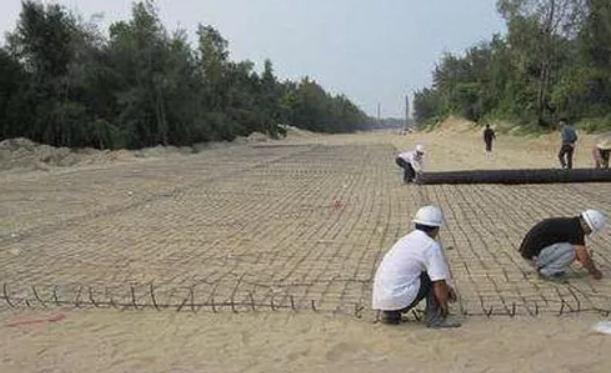 土工格栅在修路施工中使用的八个步骤  第2张