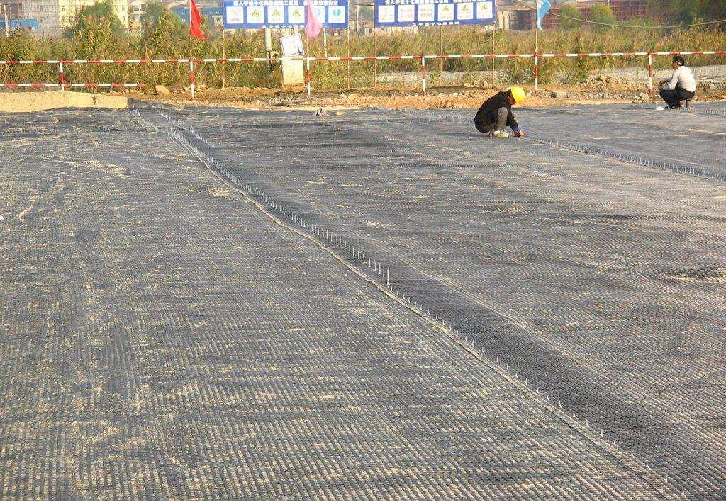 土工格栅在土工施工中的作用是什么