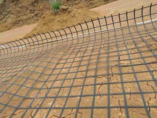 分析土工格栅对于膨胀土的作用效果